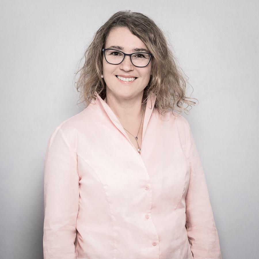 Dr. med. Elena Kralidis